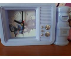 продам часы-будильник